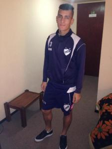 El jugador se entrena en Quilmes y será refuerzo.